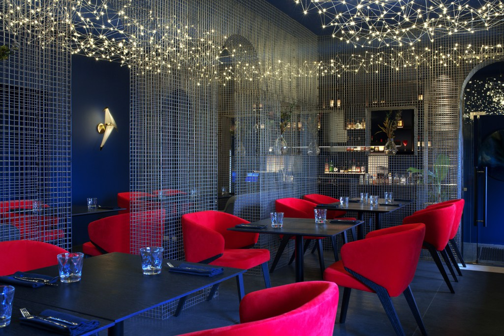 Gastrobar Too Chi interior design by A-Z Architects Main view